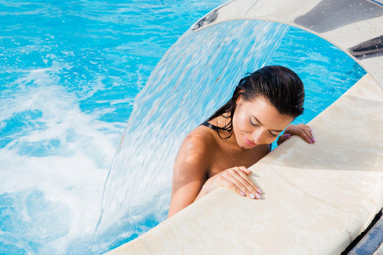 Vine a relaxar-te i a gaudir de l'spa amb aquest paquet amb accés a l'spa i massatge inclòs.